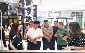 热烈欢迎省民政厅副厅长林弘一行莅临青创城参观交流!