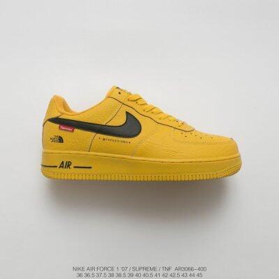 至高三方联名Supreme x 北面x Nike