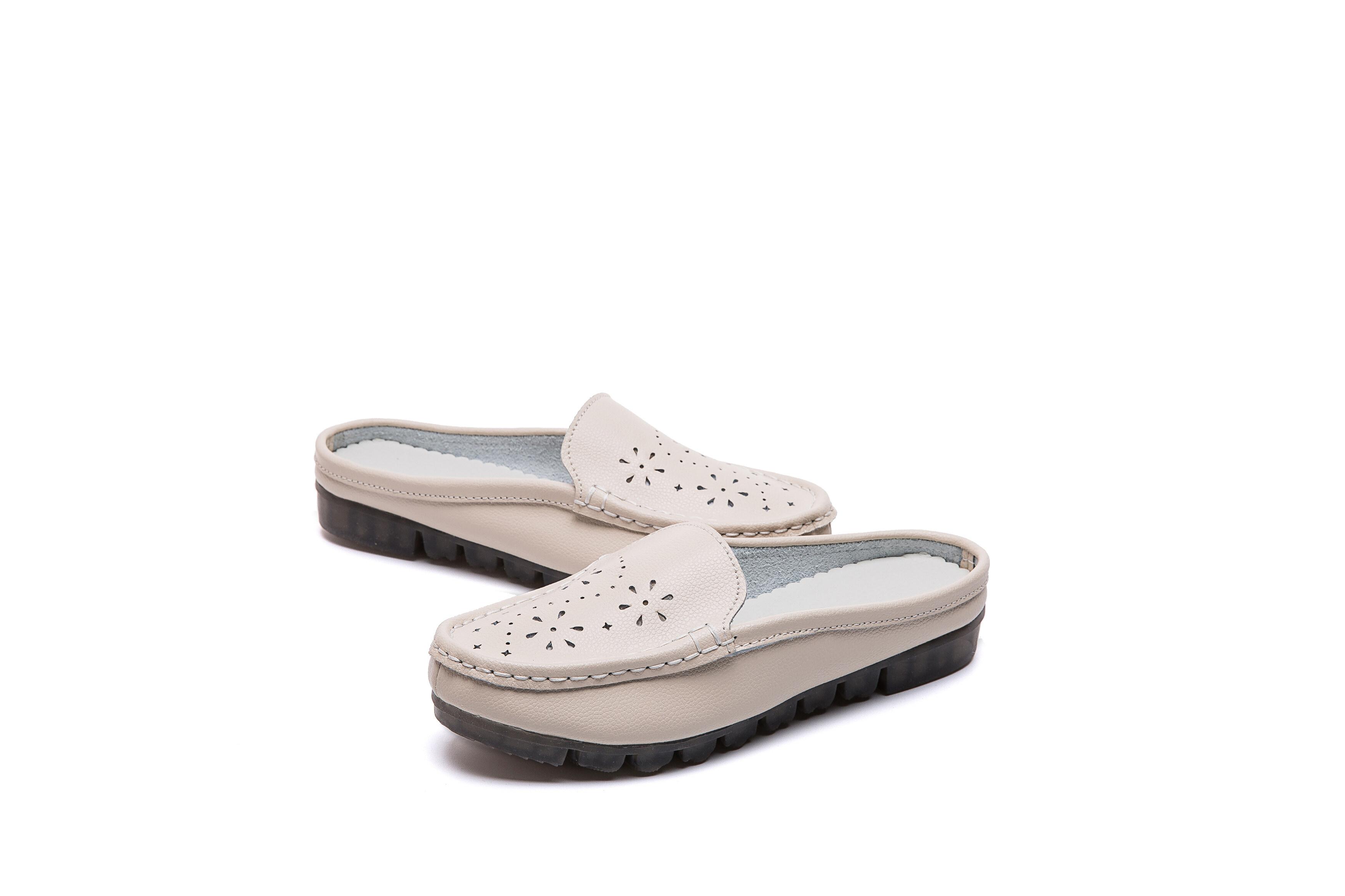 2021足娇2021,新款休闲真皮镂空雕花PVC大底半拖女凉鞋,3色