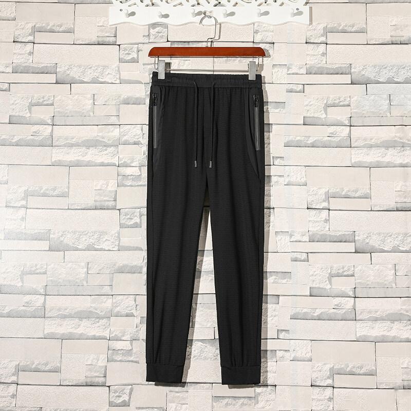 81580%锦纶   20%氨纶 夏季新款空调裤冰丝透气面料