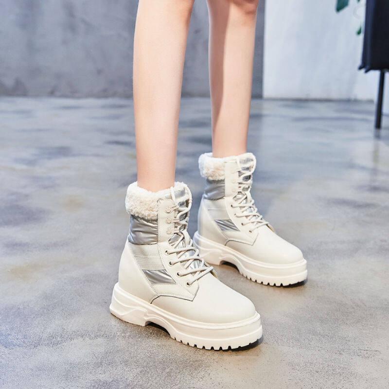 韩国厚底雪地靴女2020冬新款内增高中筒休闲系带毛毛高帮马丁靴女