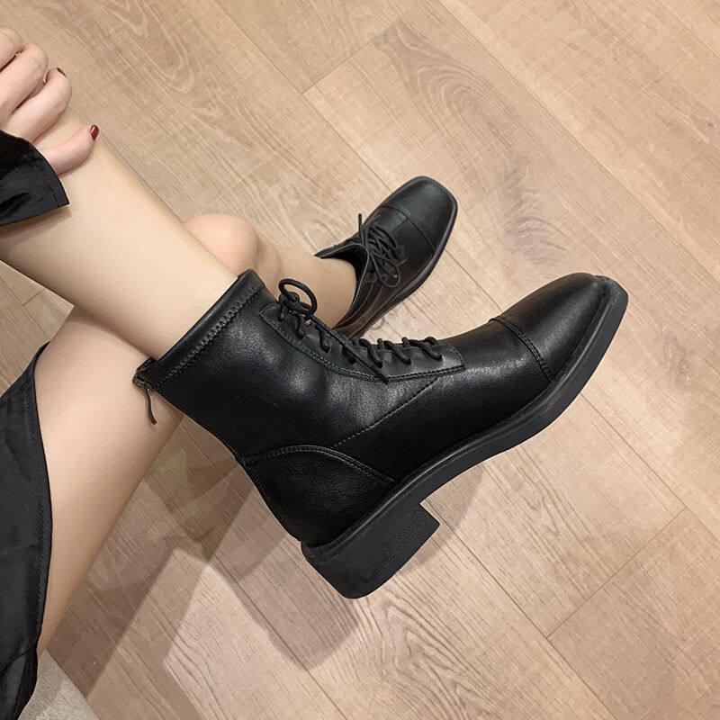 欧洲站靴子女2020冬新款网红瘦瘦靴系带弹力靴马丁靴圆头平底短靴