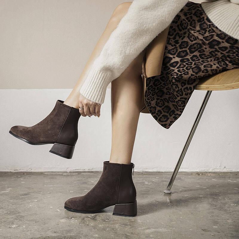 欧洲站马丁靴女2020冬新款英伦风粗跟短靴网红瘦瘦靴中跟大码女靴