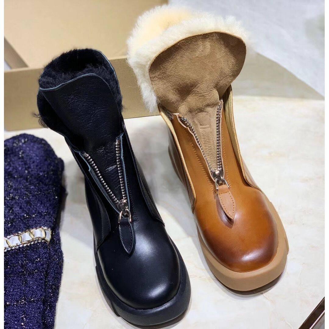 20151欧洲站羊毛加厚短靴马丁靴女2020新款冬季一脚蹬皮毛一体雪地靴子